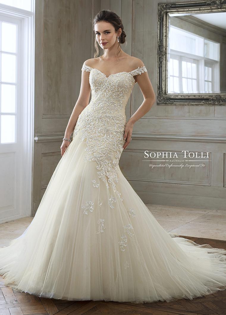 Boutique De Robes De Mariée à 45 Minutes De Québec Sophia Tolli Robe Modèle 11884